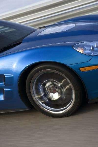 Chevrolet Corvette ZR-1на трассе Нюрбургринга: 7:26.4на круг— фото 348848