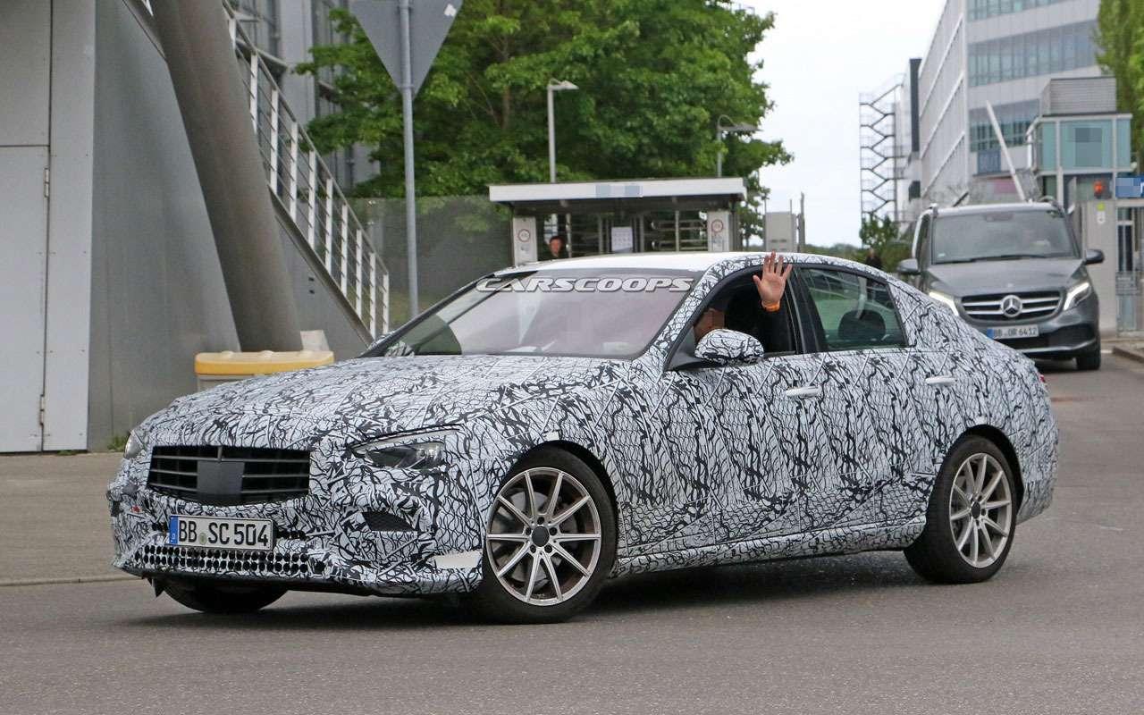 Mercedes-Benz C-класса получит огромный дисплей-планшет— фото 1130460