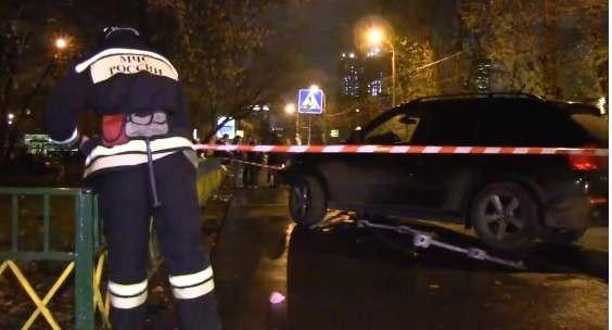 водитель автомобиля BMW X-5с дагестанскими номерами не справился суправлением ивыехал натротуар, где сбил четырех пешеходов