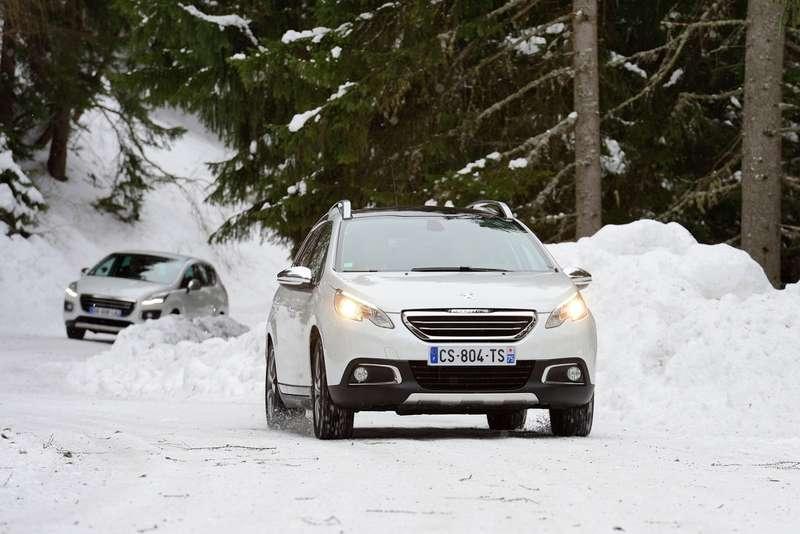 Peugeot выпустила 100000 кроссовер 2008