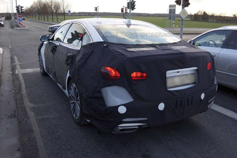 NewHyundai Genesis test prototype side-rear view_no_copyright