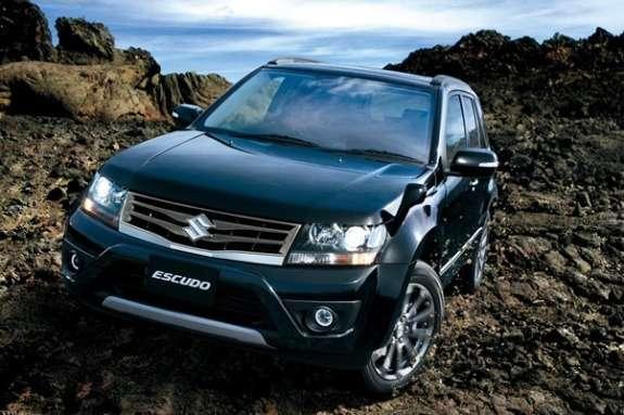 Facelifted Suzuki Escudo front view