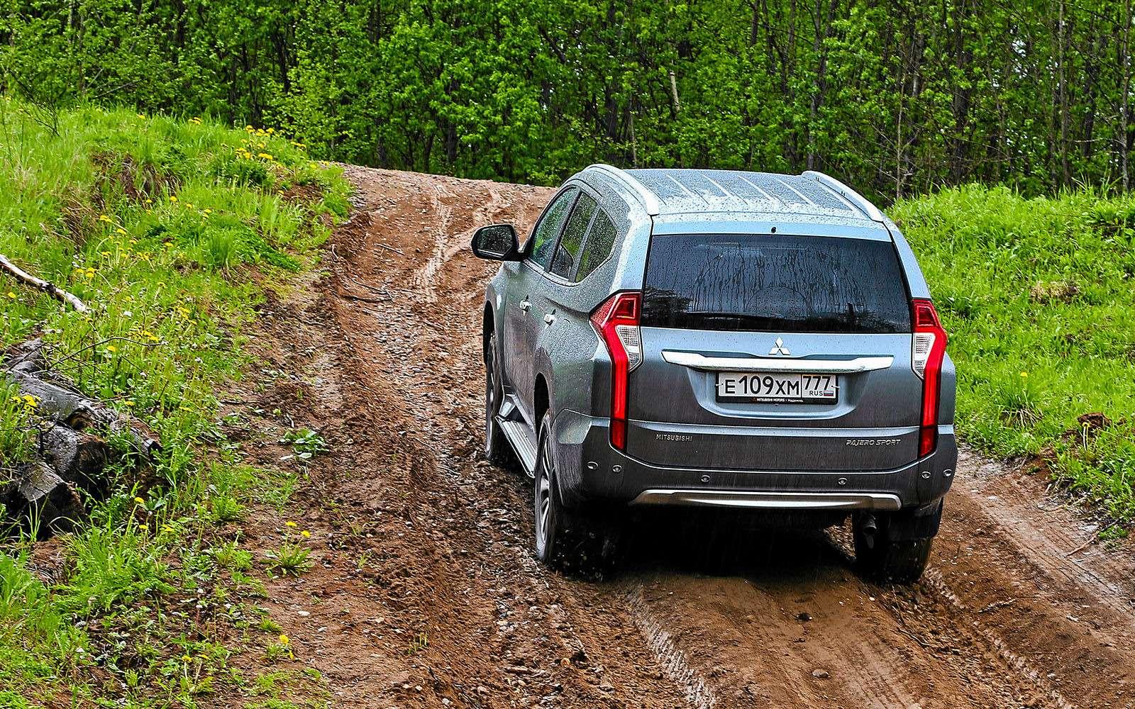 Mitsubishi Pajero Sport иKia Mohave— сравнительный тест настоящих внедорожников— фото 769871