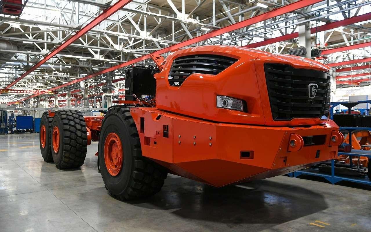 Абсолютно новый отечественный грузовик КАМАЗ Геркулес: первые фото— фото 1252301