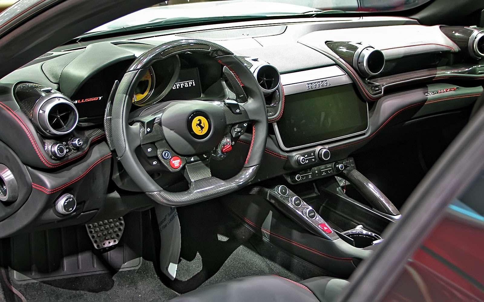 Махнул неглядя: Ferrari GTC4Lusso Tпоменял полный привод натурбонаддув— фото 641790
