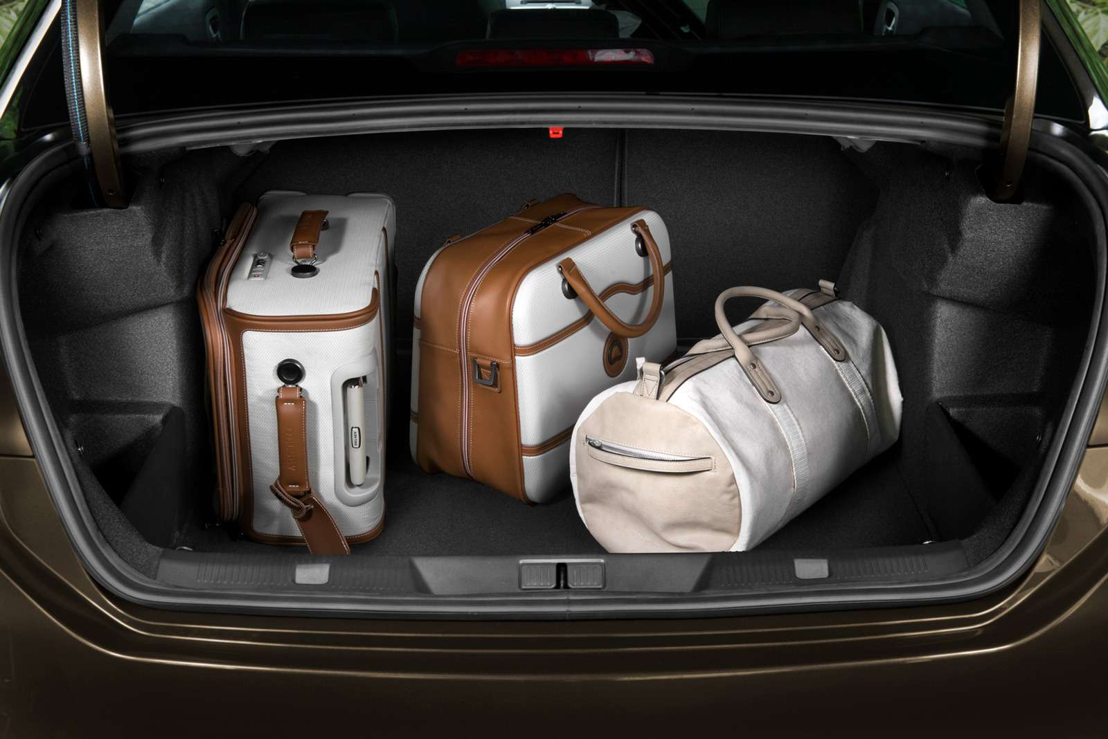 Объявлена цена обновленного седана Citroen С4— фото 634021