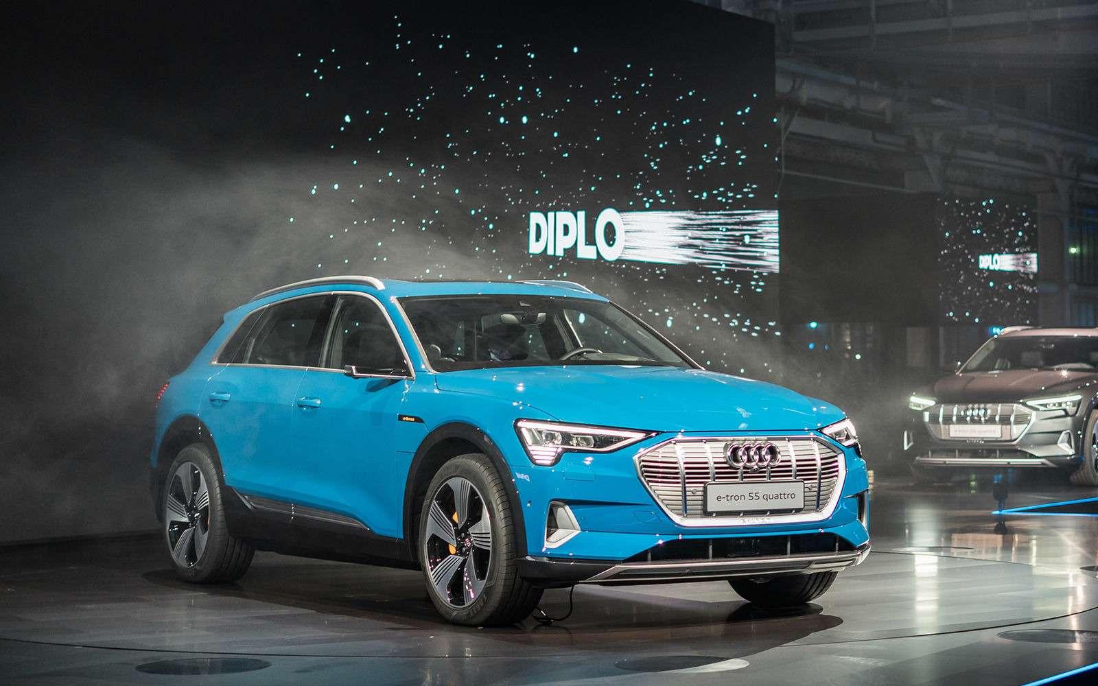 Audi e-tron quattro: два электромотора икамеры вместо зеркал— фото 910480