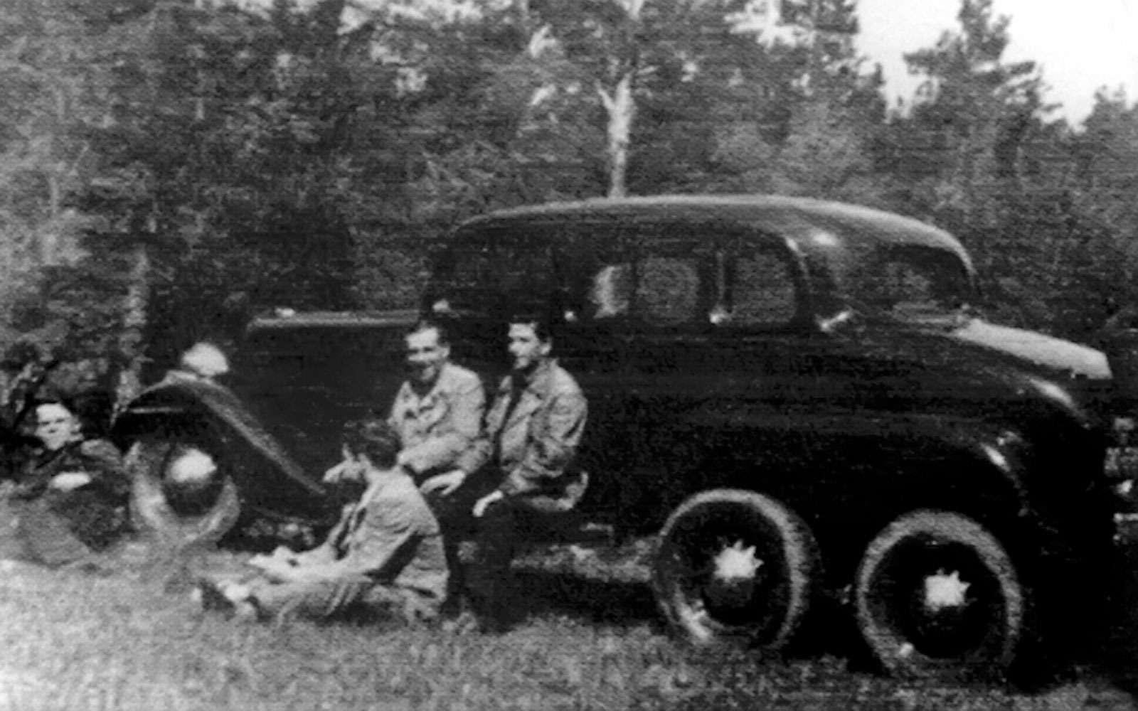 ГАЗ-25