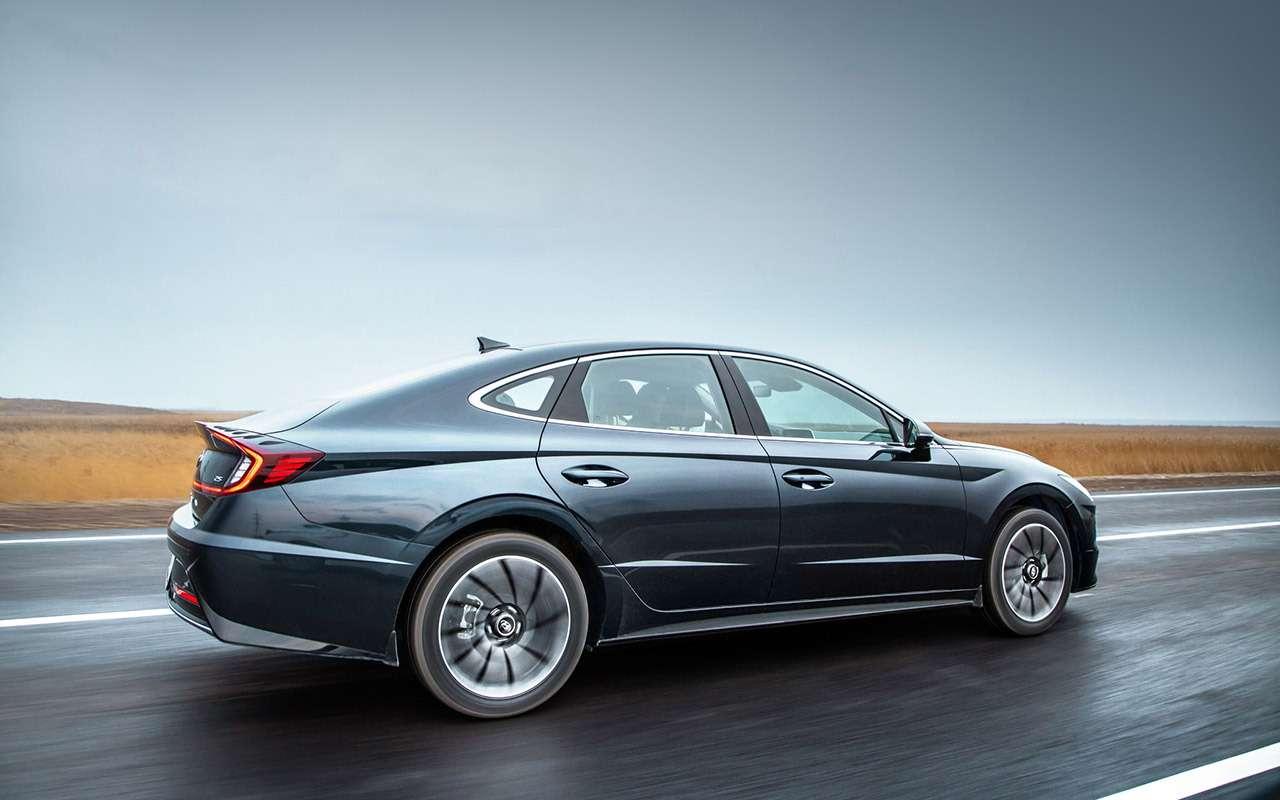 Новая Hyundai Sonata: светодиоды накапоте иеще 8фишек— фото 1014943
