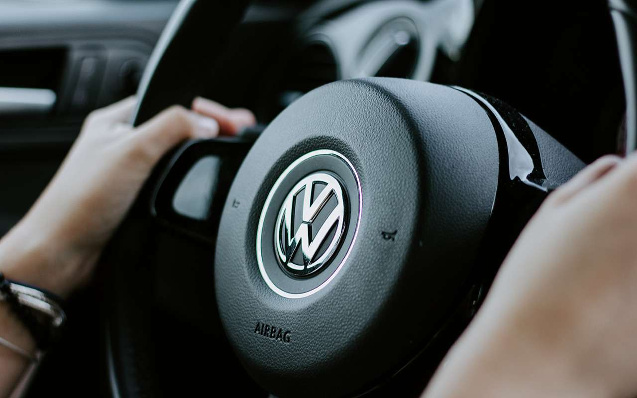 Менеджерам Volkswagen запретили ездить на электрокарах