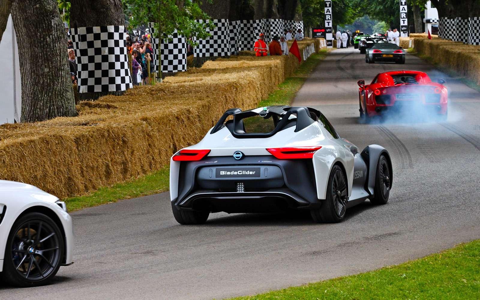 Лучшее автомобильное шоу вмире. Репортаж сФестиваля скорости— фото 778343