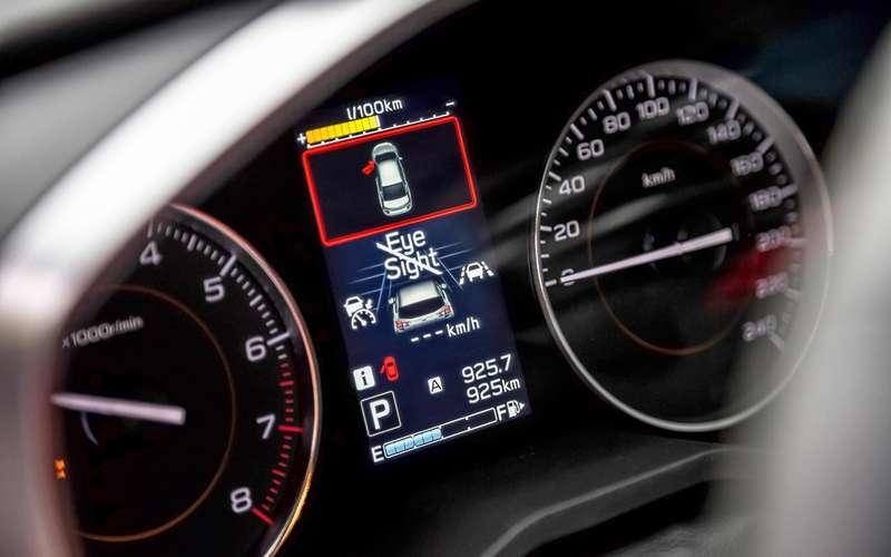 Тест систем автоторможения: кроссоверы останавливаются, ноневсегда
