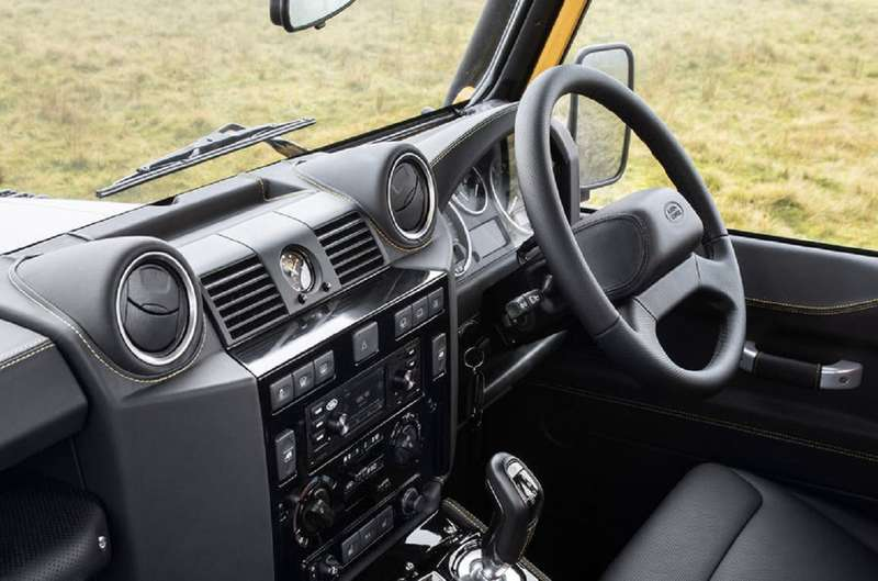 Land Rover возвращает впродажу старые Дефендеры