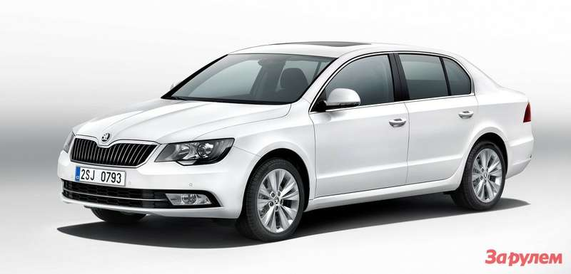 002 ŠKODA SUPERB FRONT