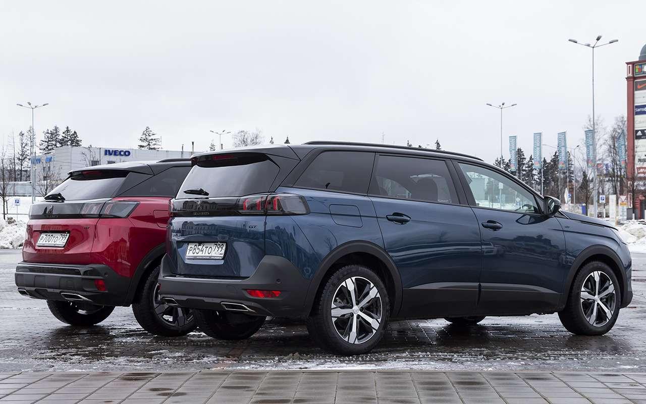Peugeot против Peugeot: тест двух новых кроссоверов— фото 1239405
