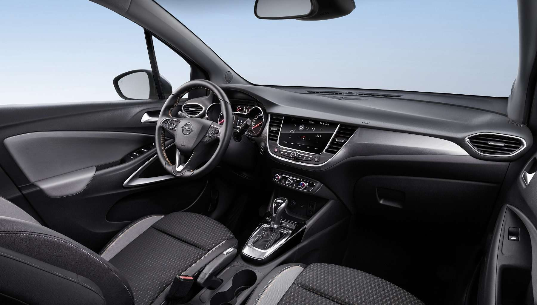 Кроссовер Opel Crossland Xпредставлен официально— фото 694502