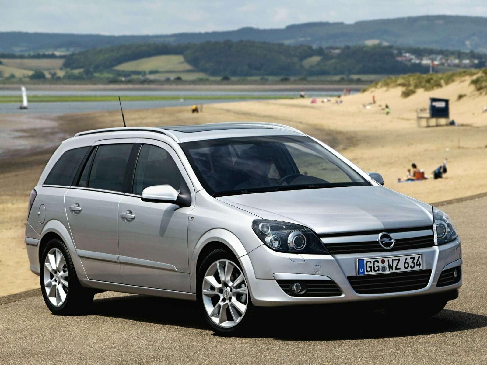Opel_Astra_Wagon_2004