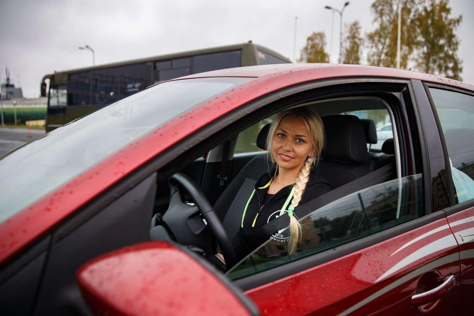 Кто жестал лучшей автоледи России?— фото 644091