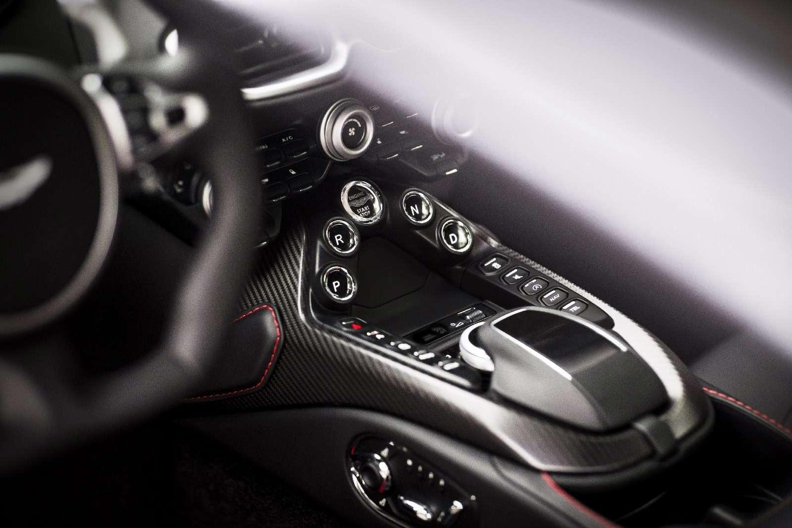 Проверено Джеймсом Бондом: представлен новый Aston Martin Vantage— фото 818866