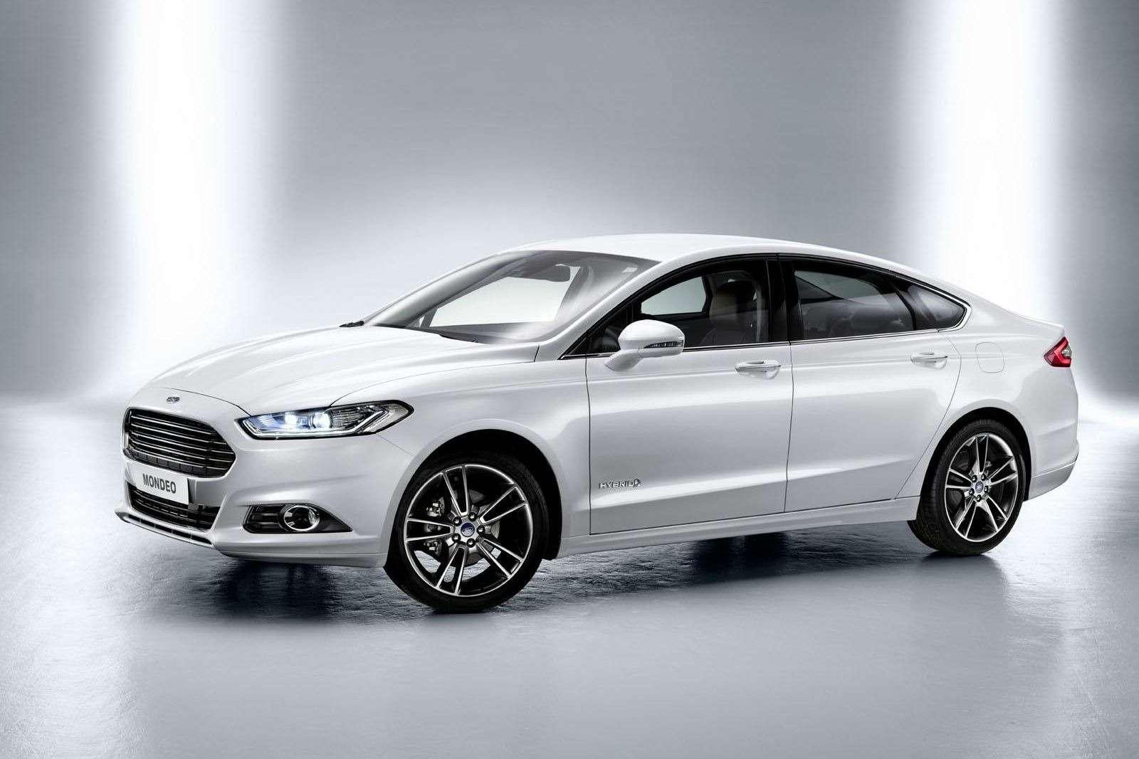 Ford начал прием заказов нановый Mondeo поцене от1,149млн рублей— фото 370069
