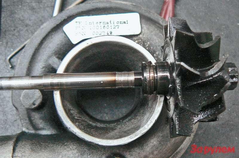 Падение смазывающих свойств моторного масла при добавлении внего чужеродного может привести кизносу вала