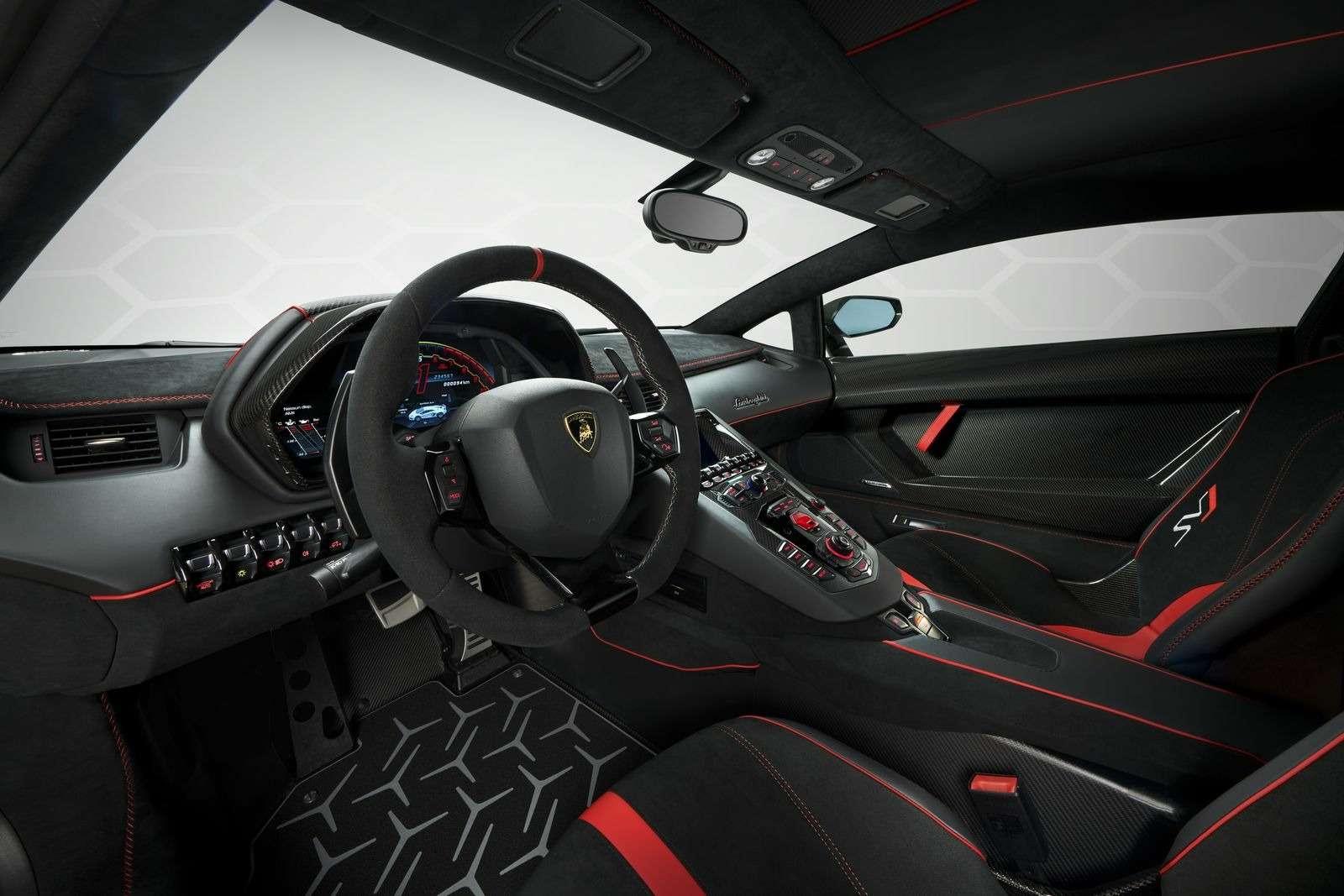 Lamborghini представила самый быстрый суперкар всвоей истории— фото 898574