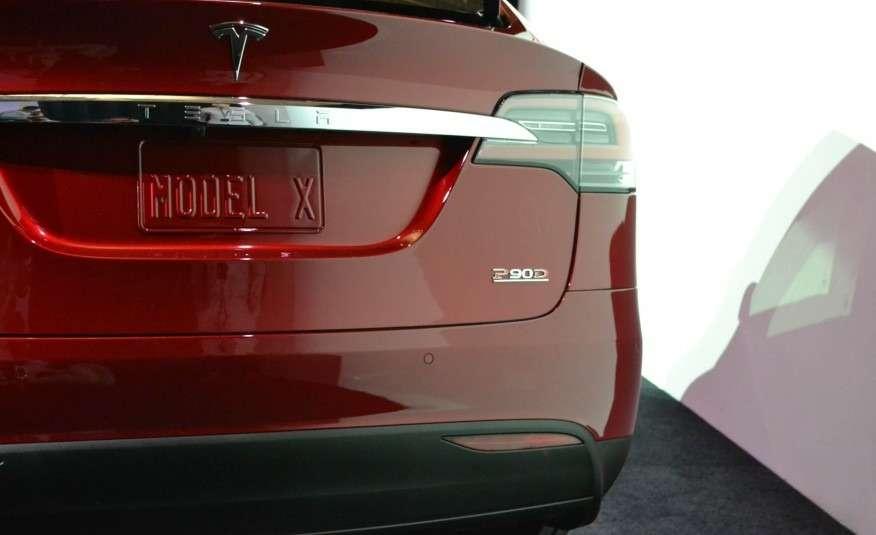 2016-Tesla-Model-X-109-876x535