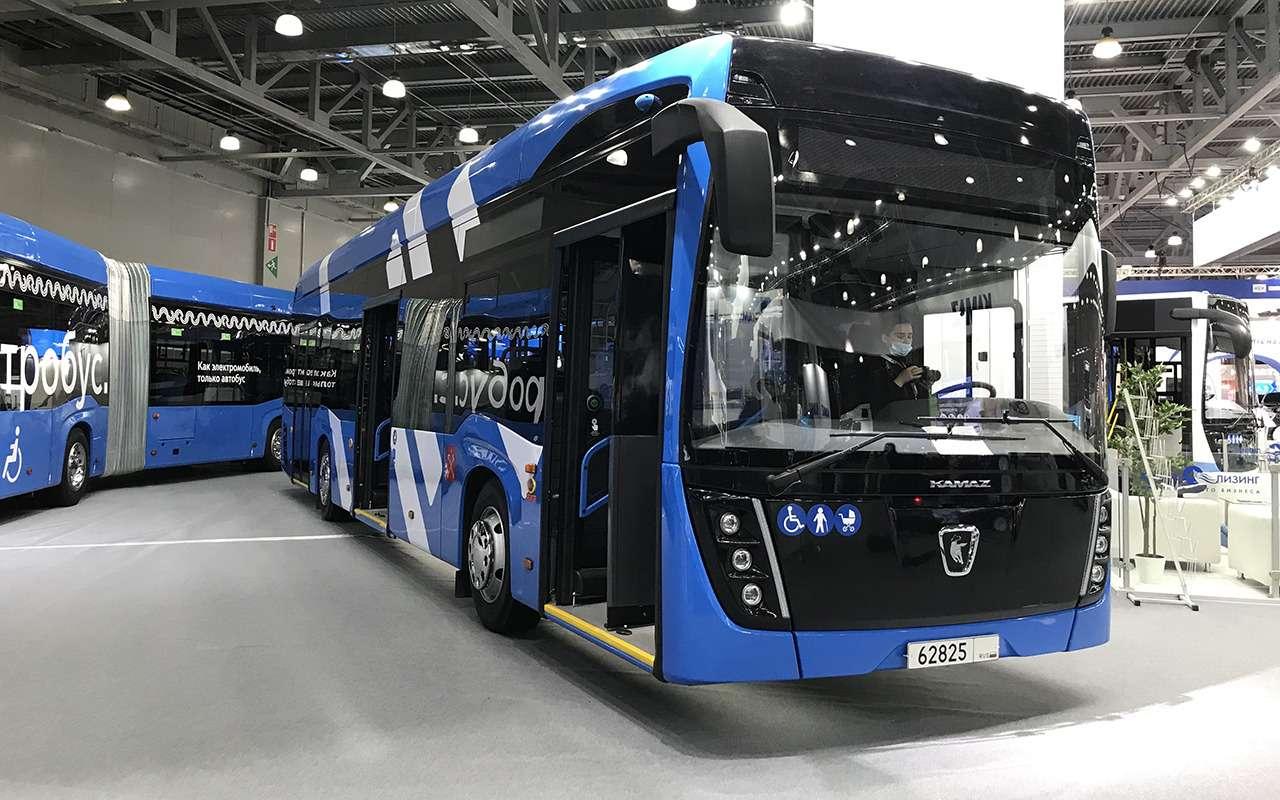 5 перспективных автобусов наCOMTRANS 2021(+троллейбус КАМАЗ)— фото 1276392