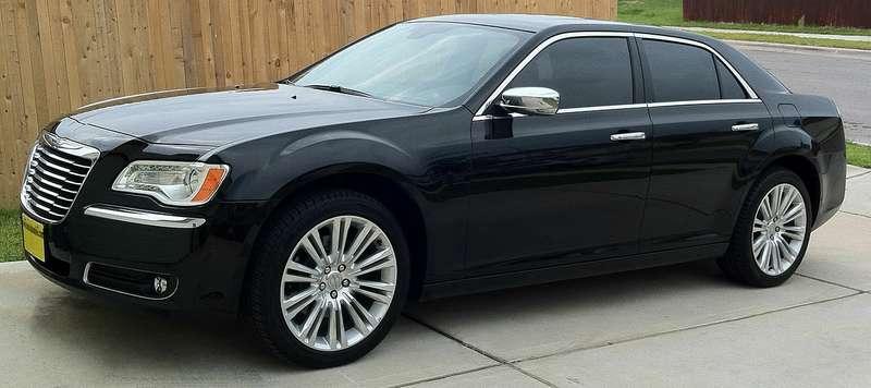 Chrysler объявил оглобальном отзыве свыше 900000 автомобилей из-за риска возгорания