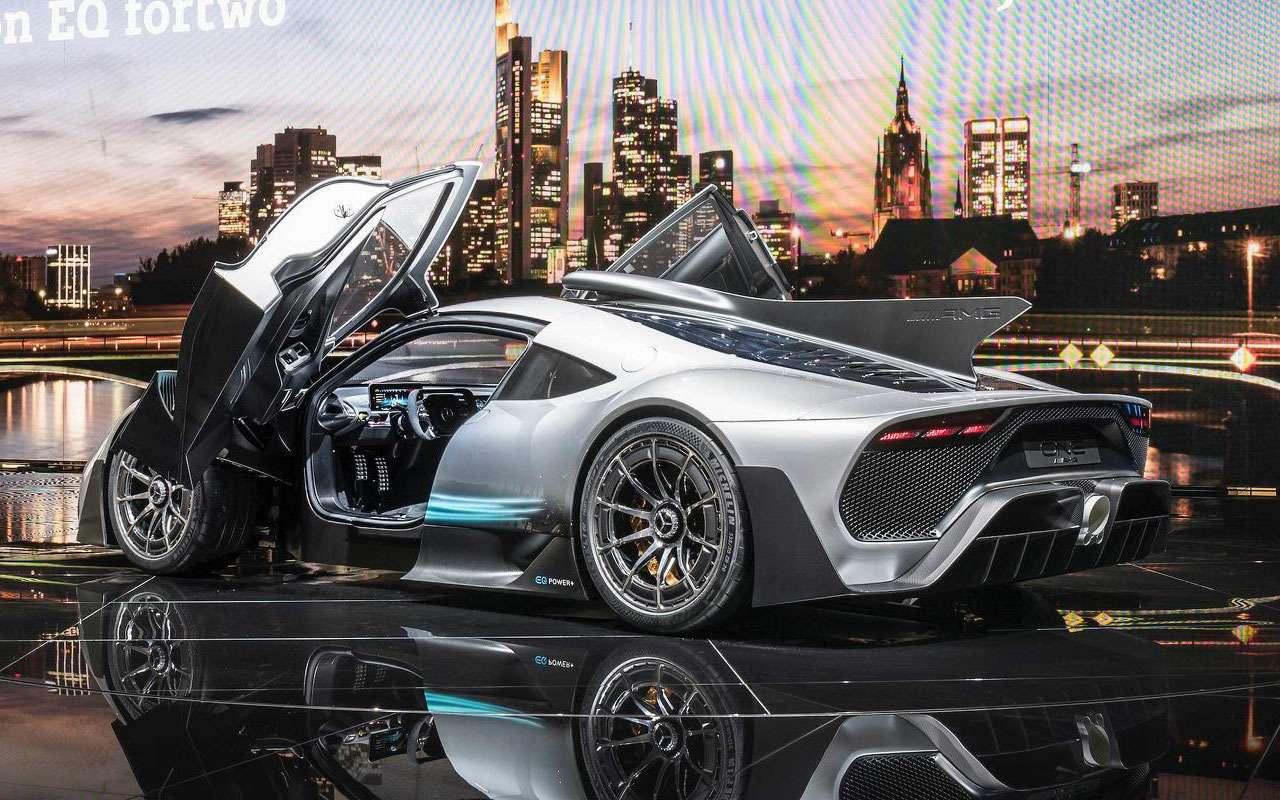 Симулятор Mercedes-AMG— геймерам инеснилось— фото 1208958