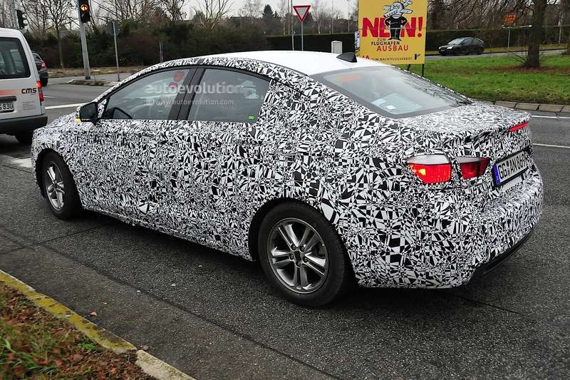 spyshots-next-gen-chevrolet-cruze-spied-again-1080p-4_no_copyright