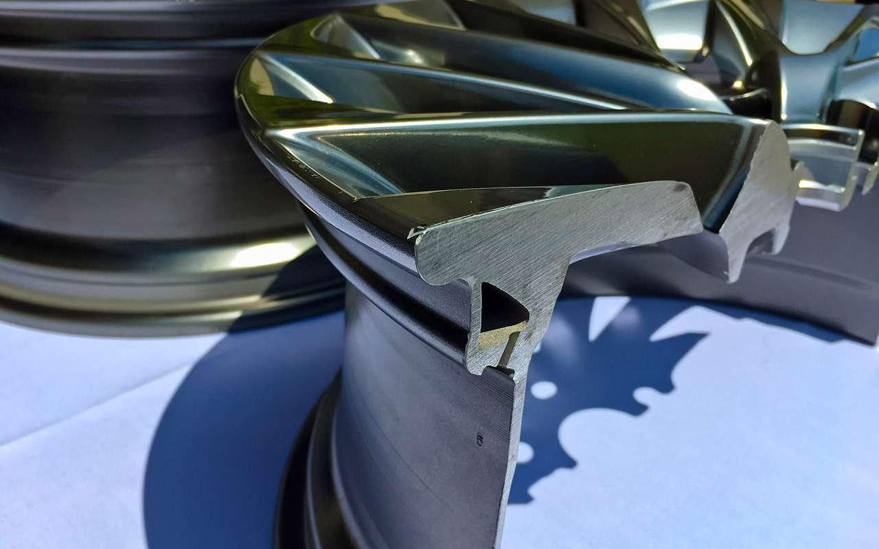 Новый Lexus ES— тест самых «вкусных» модификаций— фото 892663