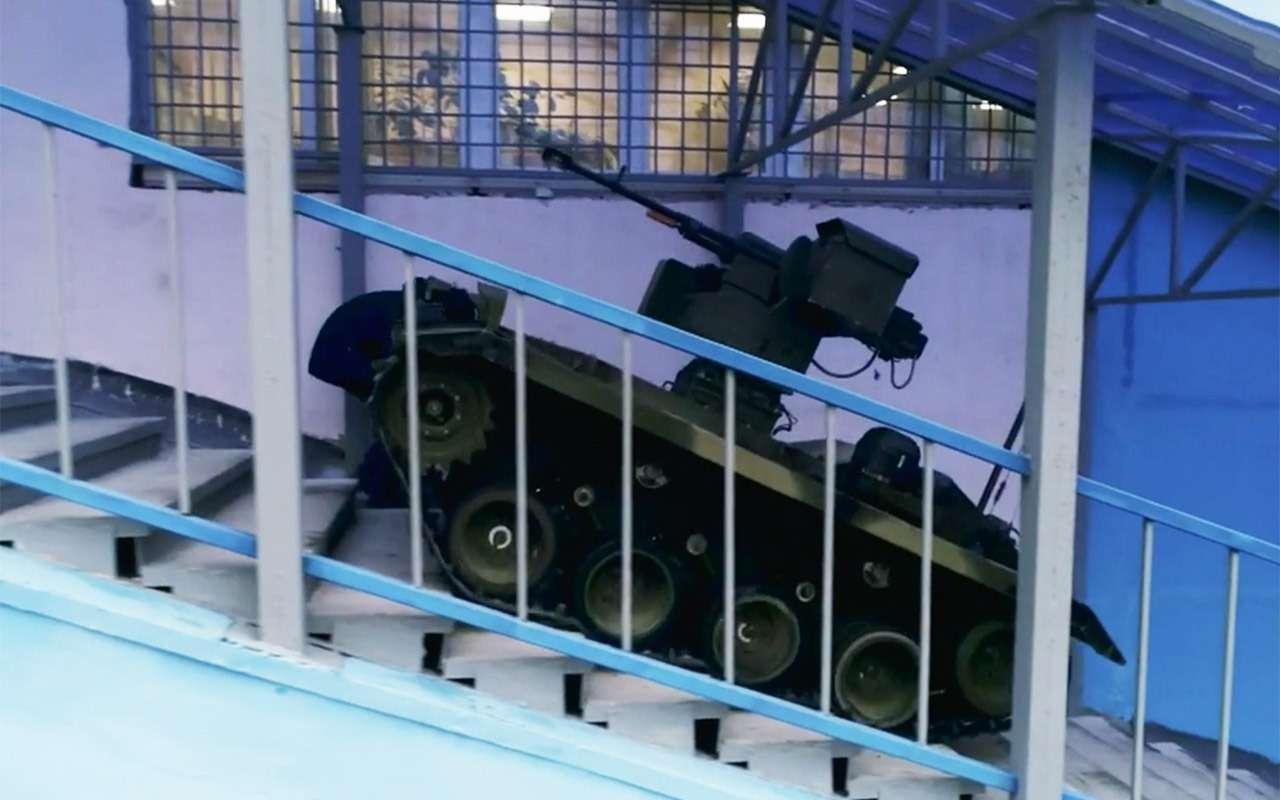 Бесконечный дозор: тест-драйв боевого робота «Нерехта»— фото 915643