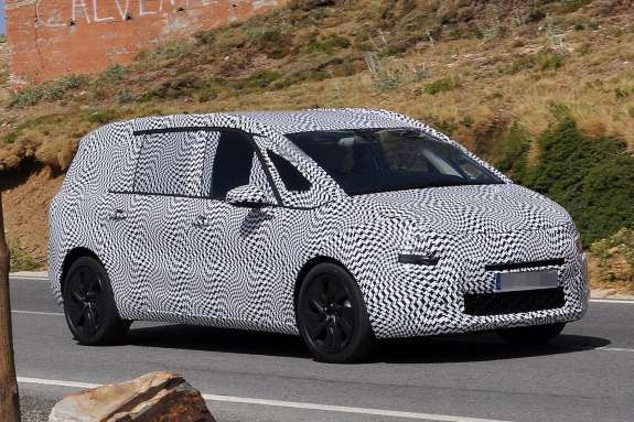 Restyled Citroen Grand C4Picasso test prototype side-front view_no_copyright