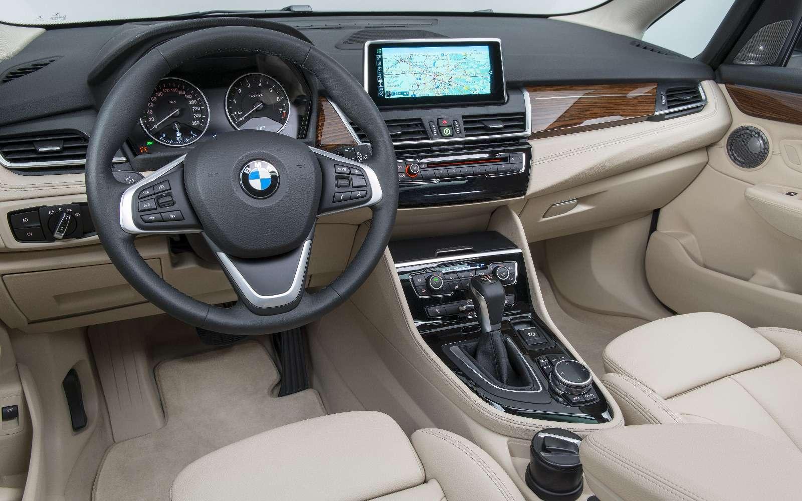 BMW2-й серии Active Tourer: объявлены рублевые цены— фото 722794