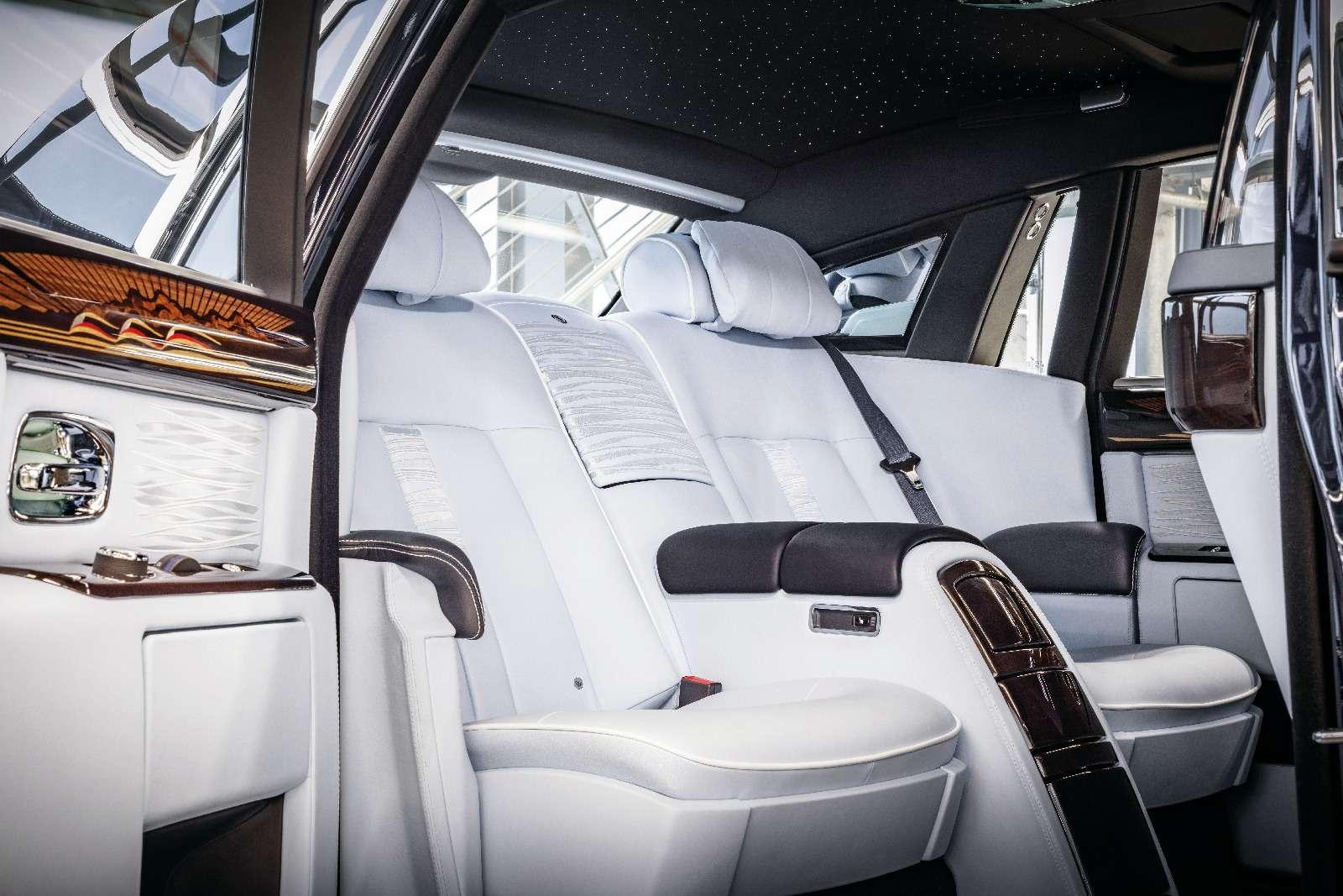 Прощание сседьмым «Призраком»: Rolls-Royce прекратил выпуск модели Phantom— фото 700793