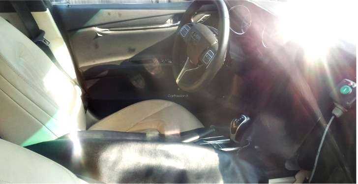 NewMaserati Quattroporte test prototype interior 3_no_copyright