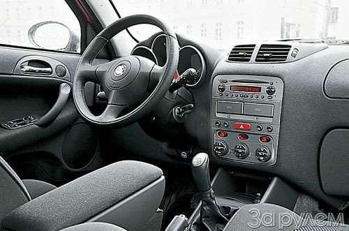 ТЕСТ Alfa Romeo 147, Peugeot 307, Volkswagen Golf. ОДНОКЛАССНИКИ РАЗНЫХ ШКОЛ— фото 27671