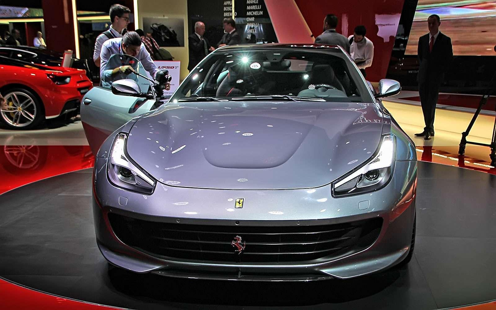Махнул не глядя: Ferrari GTC4Lusso Tпоменял полный привод натурбонаддув— фото 641672
