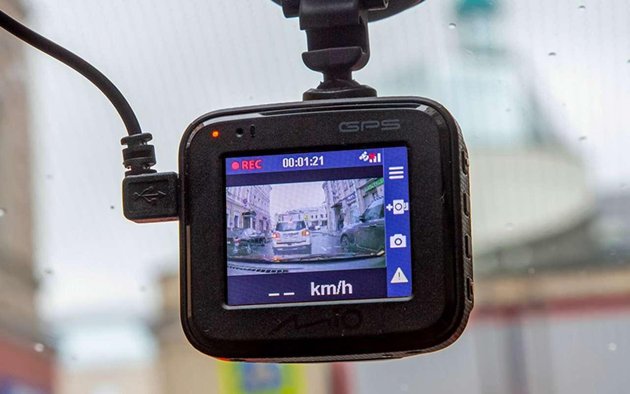 Тест шести новых видеорегистраторов: за3тысячи иза6— фото 1004448