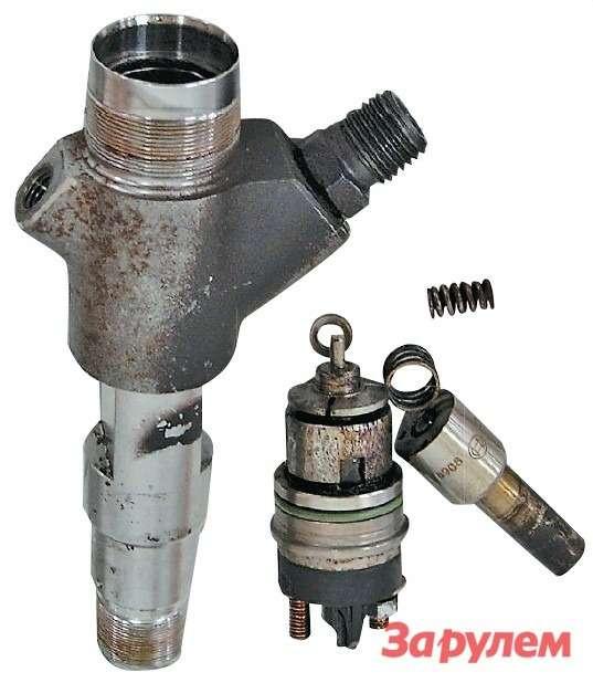 Степень коррозии элементов этого  инжектора настолько сильна, что  ремонту оннеподлежит, как ивсе  остальные компоненты системы СR.  Хотя автомобиль находится нагарантии, ниодин производитель  топливной аппаратуры не признает  данную неисправность гарантийным  случаем