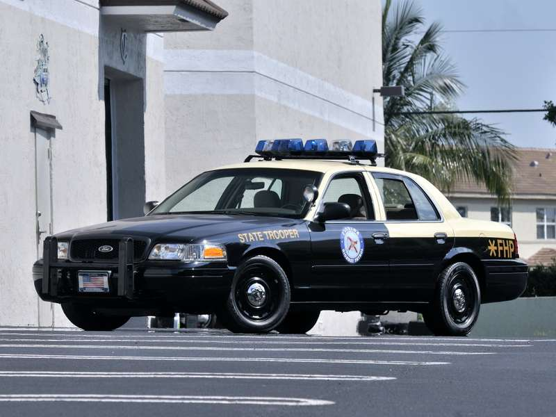 Ford_Crown_Victoria_P71_Police_Interceptor