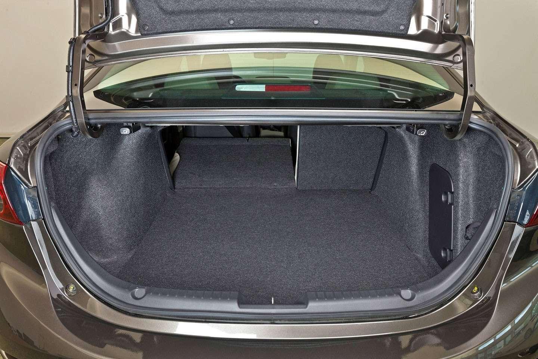2014 Mazda3 Sedan 6[2] nocopyright (28)