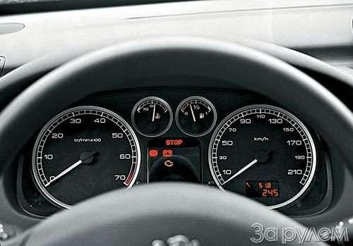 ТЕСТ Alfa Romeo 147, Peugeot 307, Volkswagen Golf. ОДНОКЛАССНИКИ РАЗНЫХ ШКОЛ— фото 27664