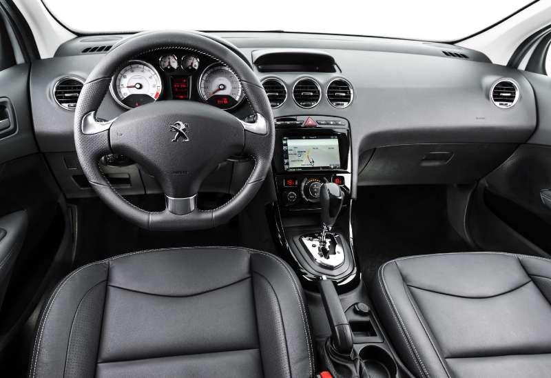 Заморский лев: вРоссии появится обновленный Peugeot 408