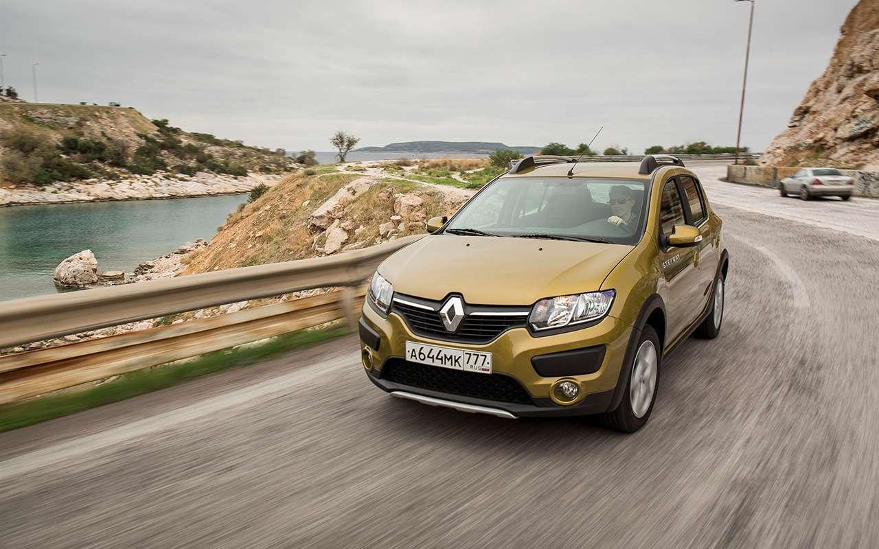 «Нафаршированный» Renault Sandero Stepway или «пустой» Duster: что выбрать?— фото 890402