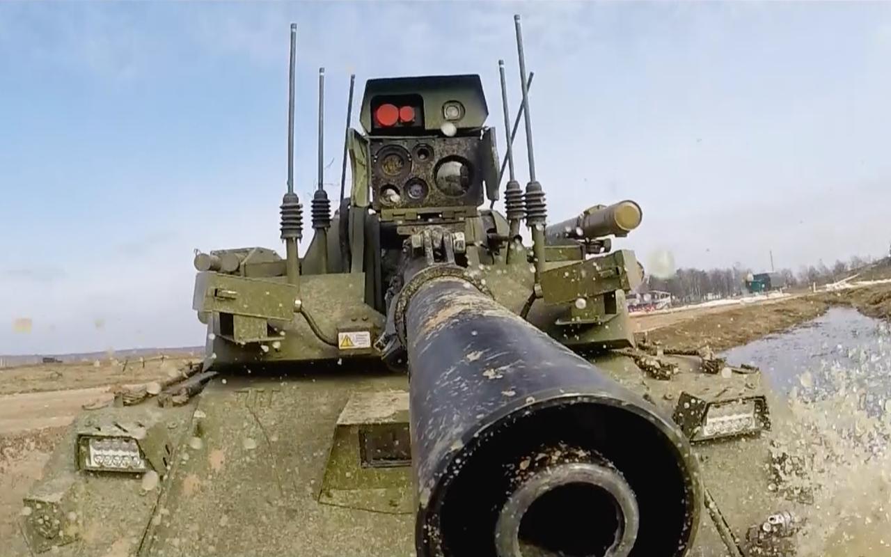 Тест-драйв боевого военного робота «Уран-9»— фото 927692