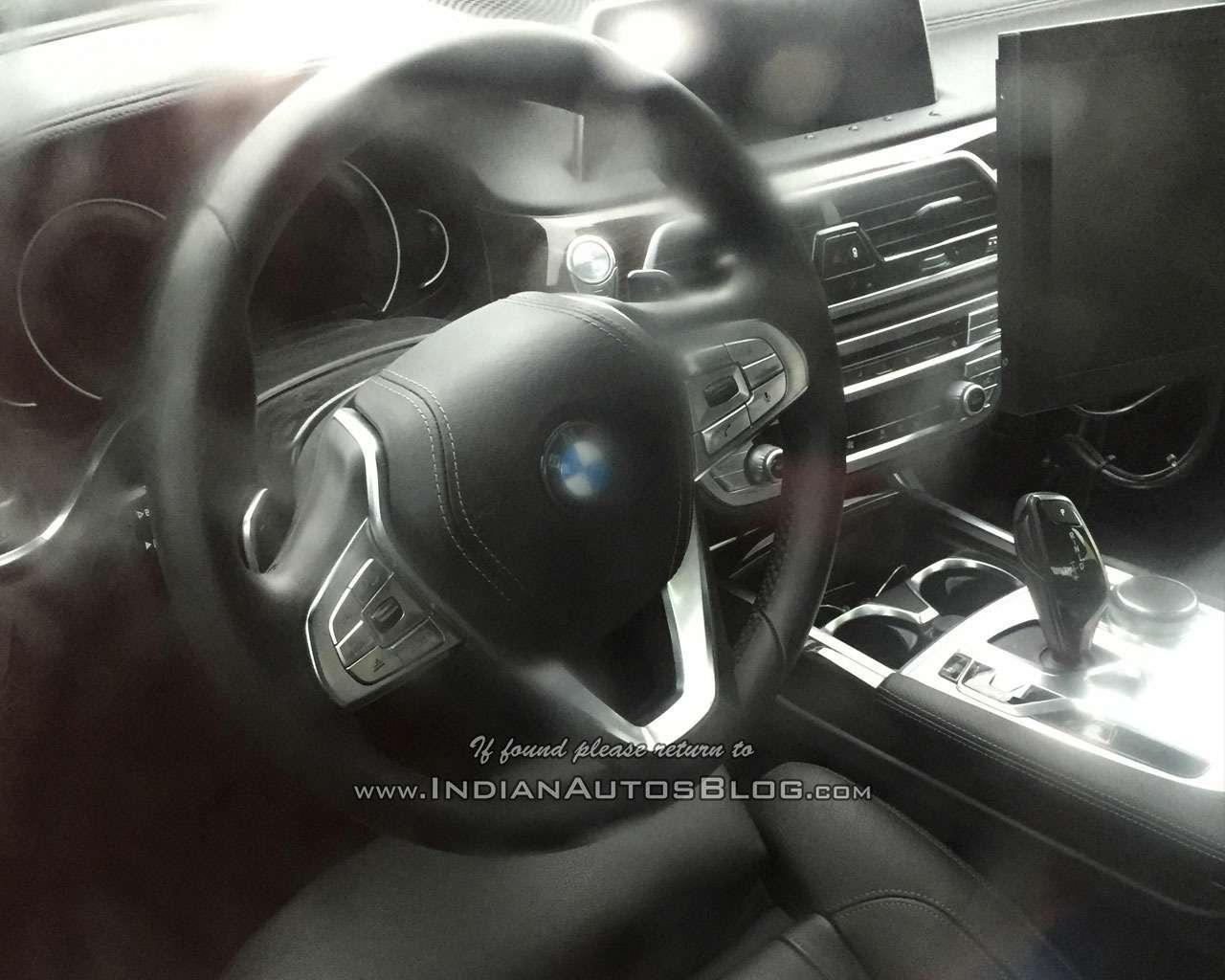 Мороз покоже: новая «пятерка» BMW показала свой интерьер— фото 647283
