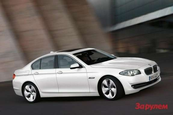 BMW520d EfficientDynamics front-side view 2