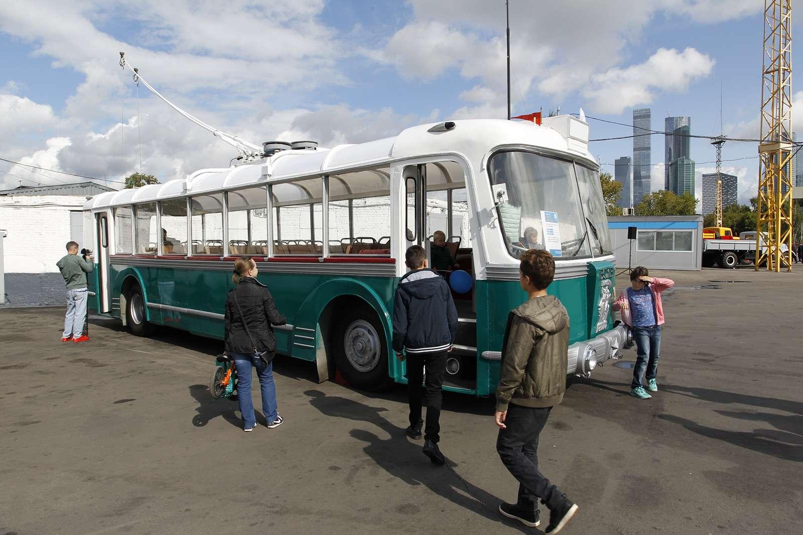 Автобусы нашего детства— выставка пассажирского транспорта— фото 792613